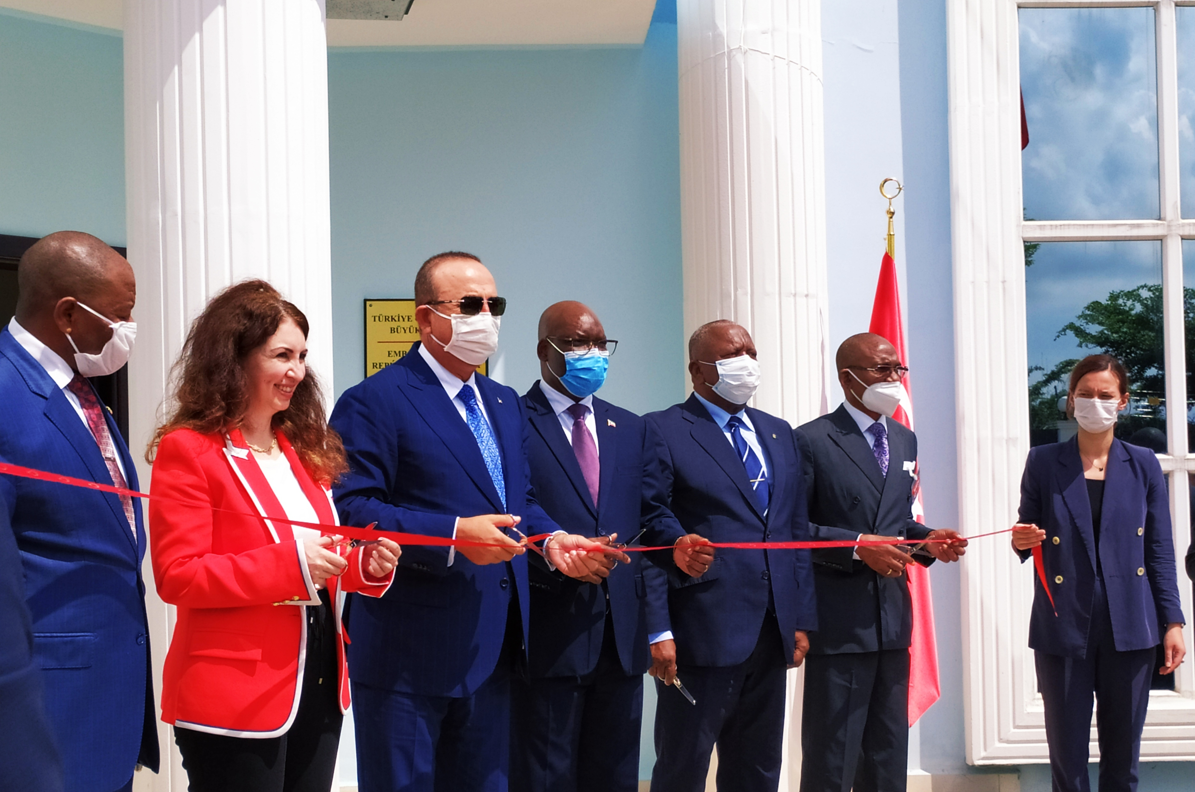 Thanks from Turkish Foreign Affairs Minister Çavuşoğlu to the Government of Equatorial Guinea for Maarif Schools